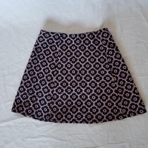 Zara Dresses & Skirts - Zara trafaluc floral print mini skirt size large